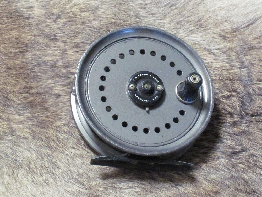 J.W Young Beaudex Reel 5/6 Wt